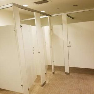 bathroom stall layout
